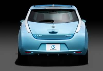 /data/news/15684/11-nissan-leaf-r-st.jpg
